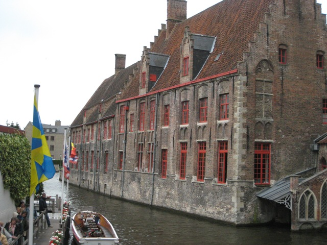 """Building along the canal in Bruges"""