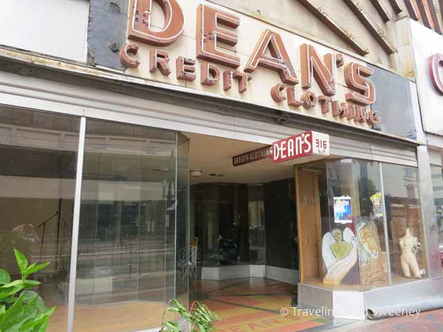 Dean's Credit Clothing