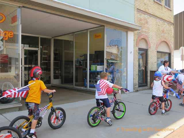 kids on bikes in Kiddie Bike & Pet Parade, Marinette