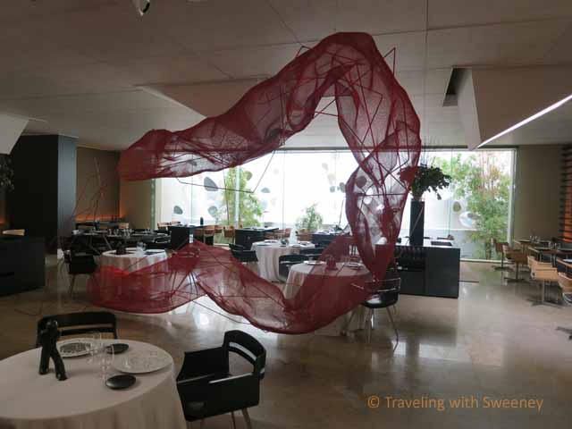 Hotel Omm lobby restaurant