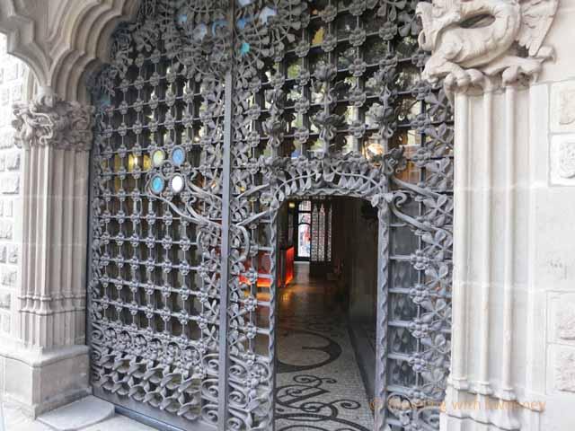 Casa Asia Gate
