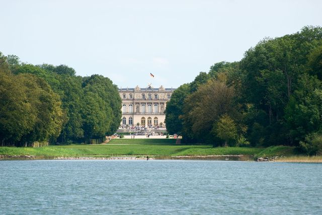 """Herrenchiemsee Palace in the Summer (Photo Courtesy of © Bayerische Schlösserverwaltung)"""