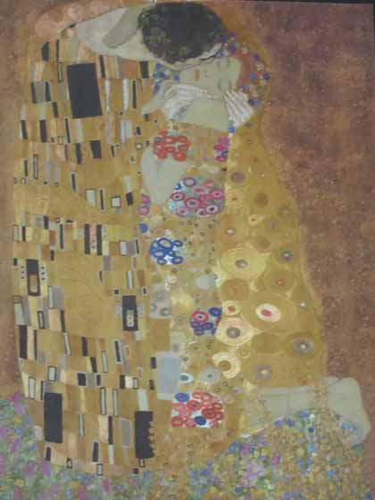 """Photo of puzzle box -- Gustav Klimt's The Kiss"""