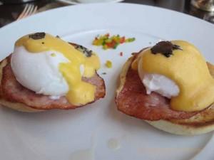 """Eggs Benedict in Gresham Restaurant brunch at the Four Seasons, Budapest"""