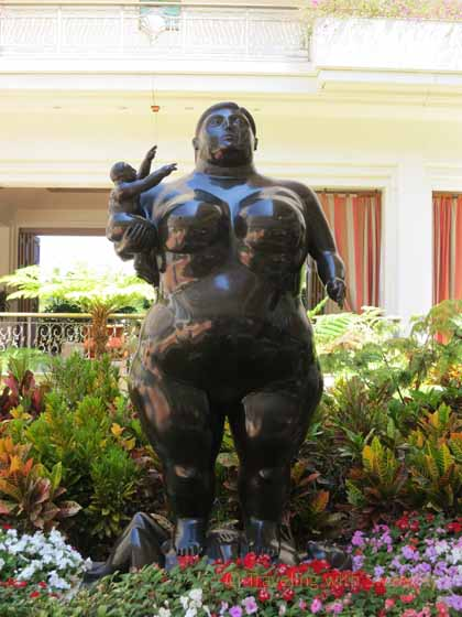"""""""Mother and Child sculpture by Fernando Botero at the Grand Wailea in Maui - """"Art in the DNA"""""""