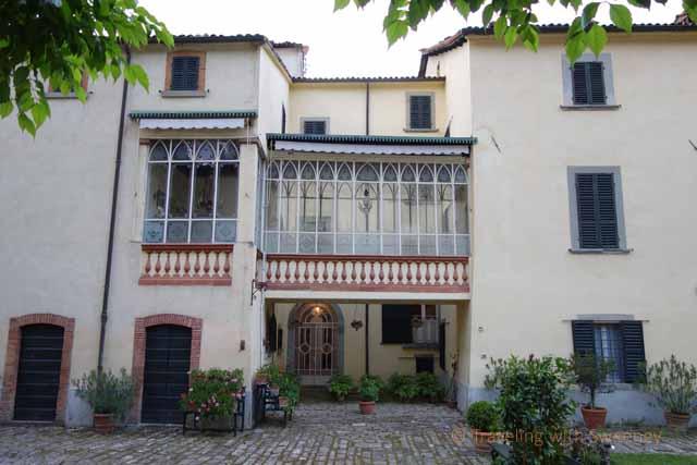"""Exterior of Palazzo Fantini in Tredozio, Italy"""