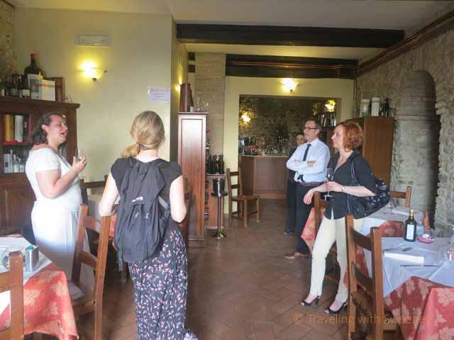 """Bloggers with Al Mastin Vecchio owner in Verucchio, Italy"""