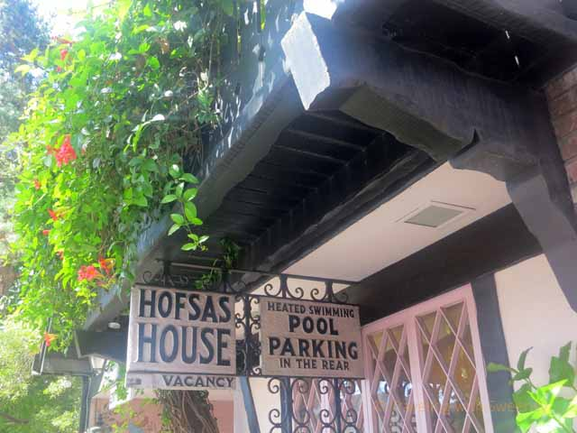 """Entrance of Hofsas House Hotel in Carmel"""