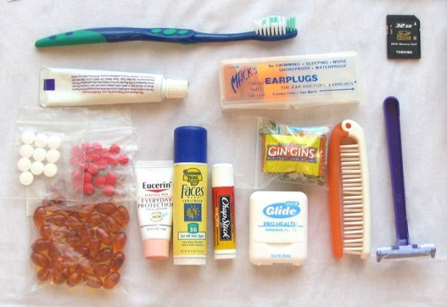 """""""Personal care products to pack for traveling light"""""""