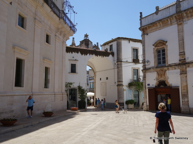 """Walking around a piazza in Martina Franca, Italy"""