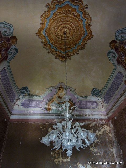 """Chandelier in the Palazzo Ducale"""