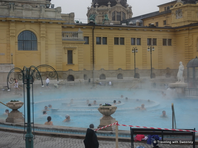 """Whirlpool in the center of the outdoor pool of the Széchenyi Baths"""