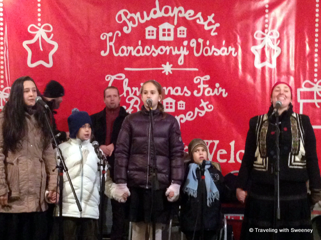 """Singers at Vorosmarty Christmas market in Budapest"""