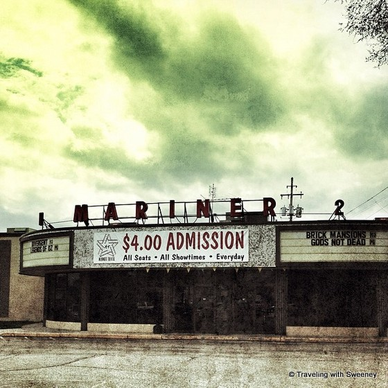 """Mariner Theater in Marinette Wisconsin"""
