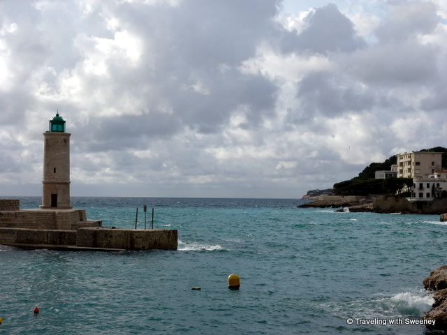 """Lighthouse in the port of Cassis"""