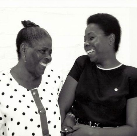 Marcia Maynes and her mom at Gallery West