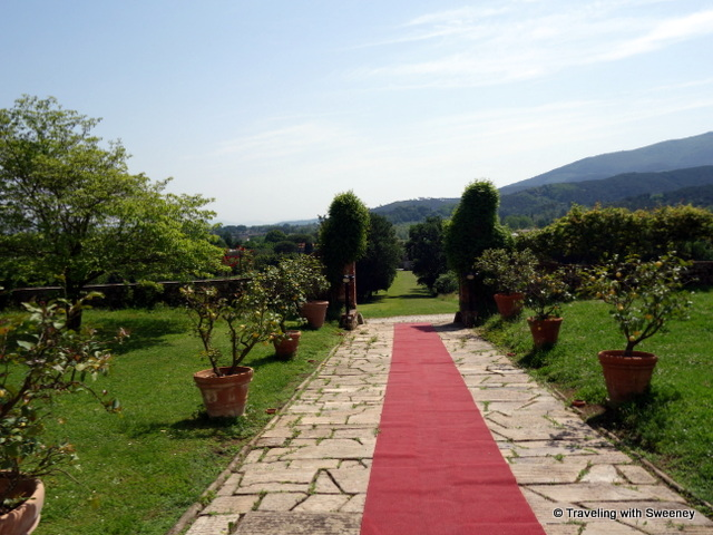 At Villa Buonvisit in Lucca, Italy, they roll out the red carpet for guests.