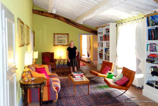 Enjoying a cheery sitting room in La Fattoria