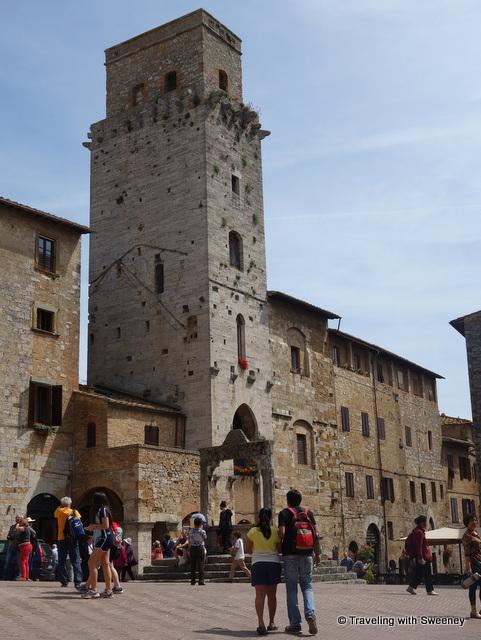 Torre del Diavolo (Devil's Tower) on Piazza della Cisterna