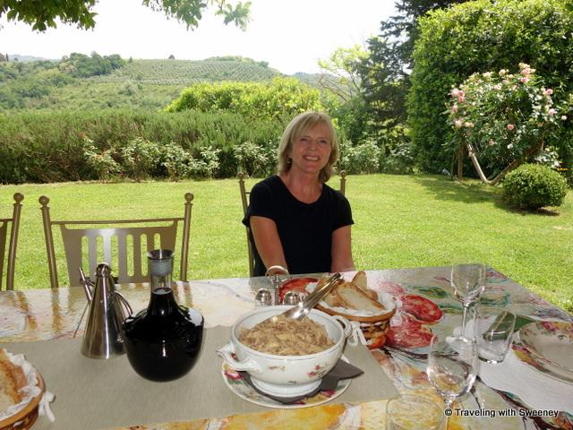 Enjoying the good life at Casa Egle on a hilltop in Montespertoli
