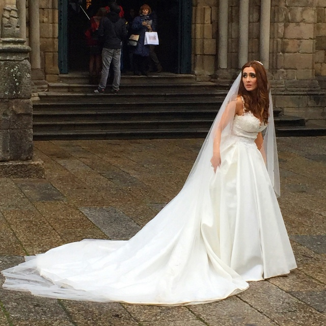A bride sighting in Guimarães