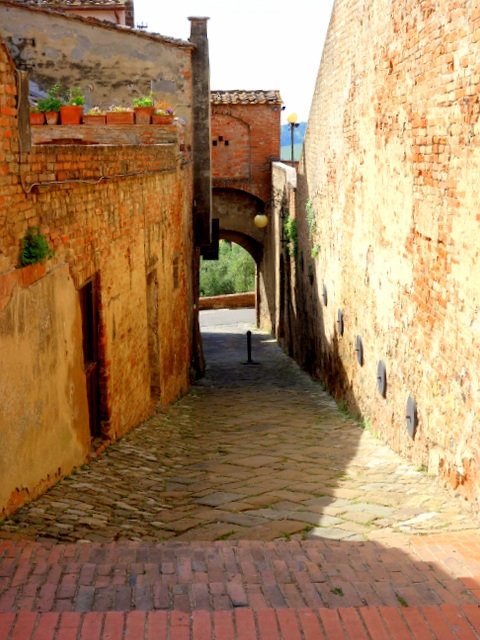 A vicolo in the hilltop town of Certaldo Alto, Italy -- Tuscany on Instagram