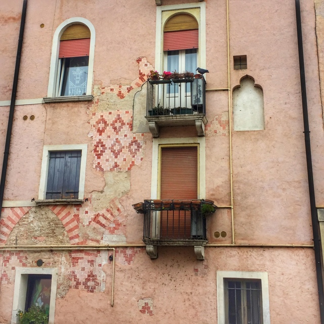 A walk through Treviso provides many sightings of beautiful facades and frescoes