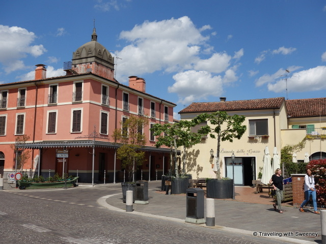 Locanda delle Grazie and the home of Pope Pio X's brother (left)