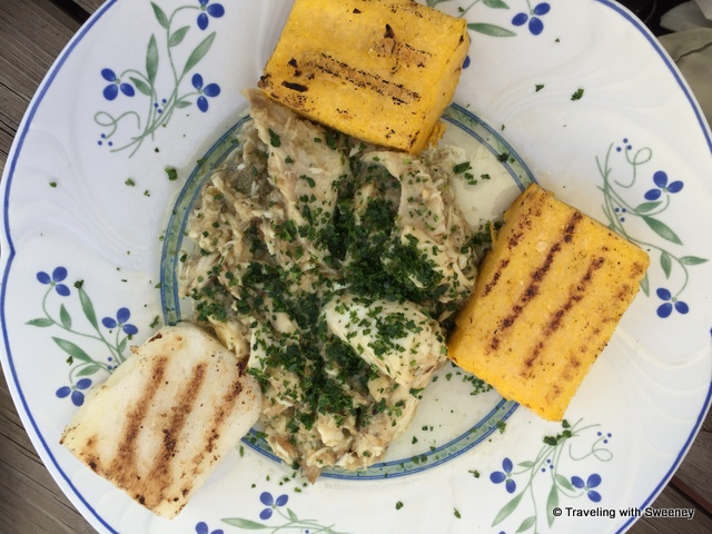 Pike in green sauce with polenta