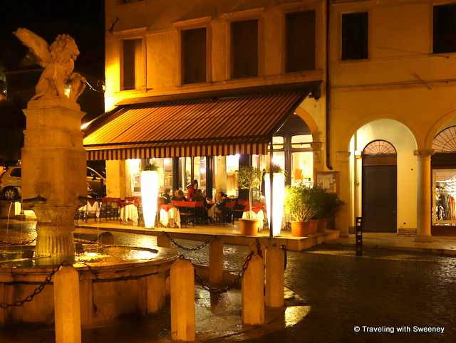 Caffé Centrale in Asolo, Italy late at night