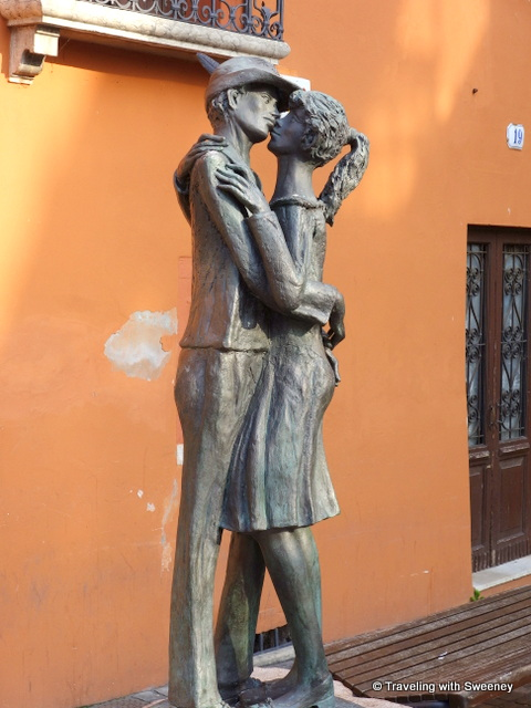 Statue of Alpini soldier kissing his sweetheart goodbye in Bassano del Grappa