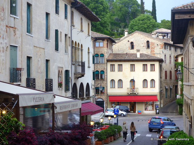Strolling around Asolo with Elena Benassi